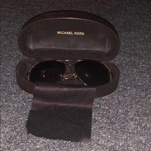 Michael kits sun glasses
